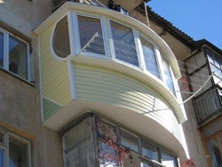 объединение комнаты и балкона в Владивостоке